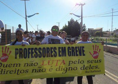 Manhã de mobilizações em Jaguaribe com professores e alunos pela Greve Geral da Educação
