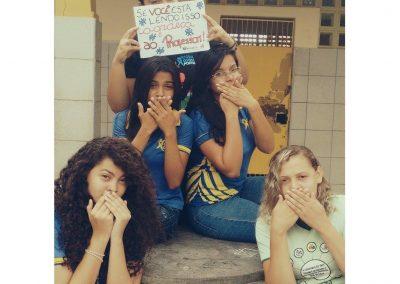 Alunas da Escola Osires Pontes em Fortaleza apoiam a Greve dos Professores!