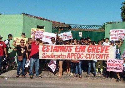 Blitz pela Greve Geral da Educação em frente à Escola Monsenhor José Augusto da Silva - Camocim