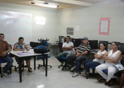 Colégio estadual em Cedro paralisou as atividades. A escola profissional continua com sete professores trabalhando, mas a negociação continua para que todos entrem na mobilização.
