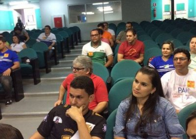 Reunião na Escola Profissionalizante de Ipu com 50 professores. Todas as escolas estão paradas