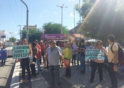Mobilização dos professores e alunos na cidade de Quixadá.