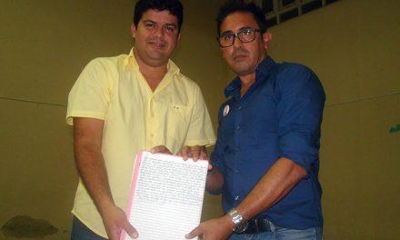 Sindicato APEOC consegue acordo e garante 60% do Fundef para professores de Aratuba