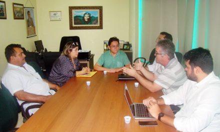 Sindicato APEOC negocia reajuste e repasse do Fundef em Itaiçaba