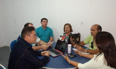 Jaguaruana: Sindicato APEOC discute precatório do Fundef e outras pautas com Prefeitura