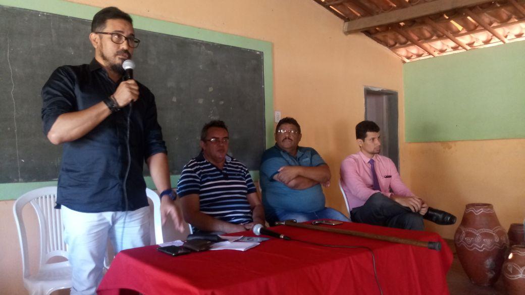 Itapiúna: Anizio Melo conversa com professores sobre precatório do Fundef